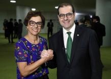 Dirce participa de encontro em Brasília